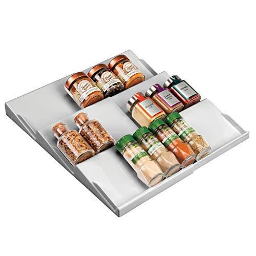 mDesign Gewürzhalter für Schubladen – auf 36,8 cm ausziehbares Gewürzregal von 20 cm bis 36,8 cm – Schubladeneinsatz mit drei Ebenen – grau