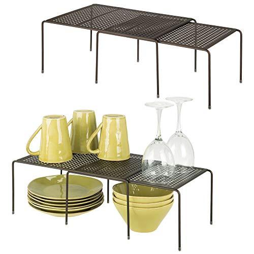 mDesign 4er-Set Regaleinsatz für Küchenschrank – praktische Geschirrablage aus Metall für mehr Abstellfläche – Rutschfester Schrankeinsatz zum Ausziehen – bronzefarben