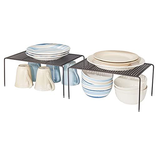 mDesign 2er-Set Geschirrablage für die Küche – freistehendes Tellerregal aus Metall – großes Küchenregal für Tassen, Teller, Lebensmittel usw. – bronzefarben