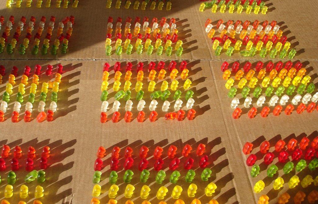 selbstgemachte Gummibärchen in großer Menge