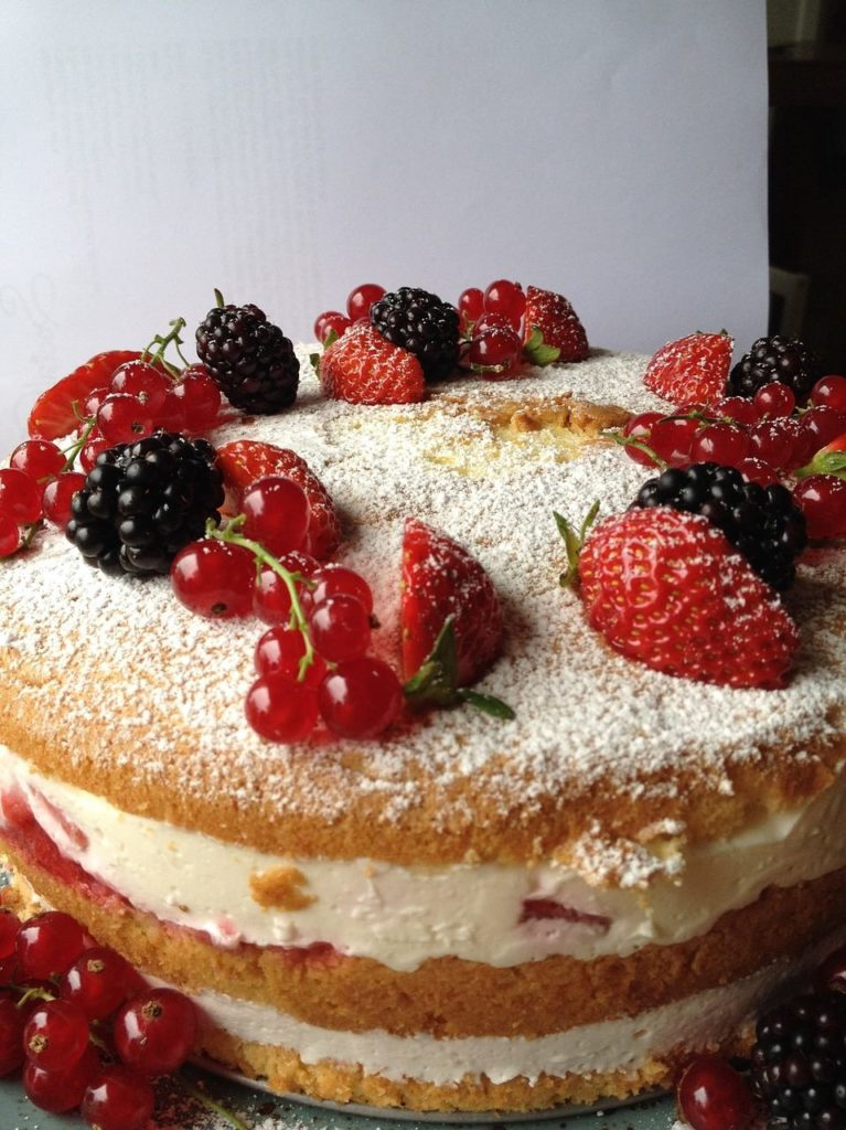 Fertig verzierter Naked Cake